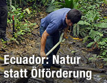 Arbeiter im Regenwald