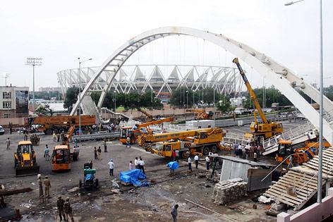 Eingestürzte Brücke beim Jahawarlal Nehru Stadion in Neu Delhi