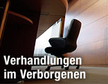 Leerer Sessel in einem Konferenzzimmer