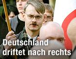 Rechtsradikaler mit Hitler-Bärtchen