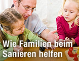 Familie beim Spielen