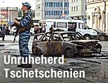 Zerstörtes Auto in Grosny