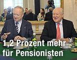 Andreas Khol (ÖVP-Seniorenchef) undKarl Blecha (Präsident des SPÖ-Pensionistenverbandes)