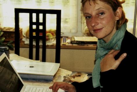 Lisa Rettl am Set von Wilde Minze