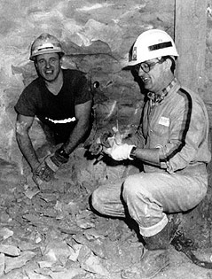 Englischer Tunnelbauer Graham Fagg und französischer Tunnelbauer Phillippe Cozette