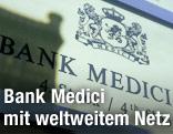 Türschild der VBank Medici