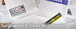 Tageszeitungen mit leeren Titelseiten