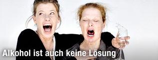 Caroline Peters und Christiane von Poelnitz