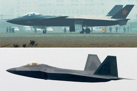 chinesischer Tarnkappenbomber J-20 im Vergleich mit dem US Air Force F-22 Raptor