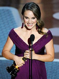 Natalie Portman nackt auf vielen Fotos - Seltene Stars