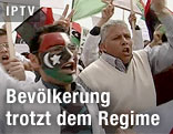 Schreiende Demonstranten in Bengasi, Libyen