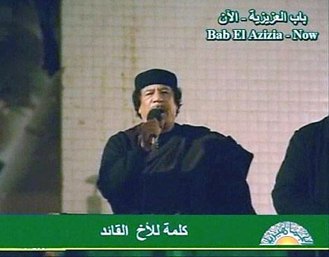 Gaddafi spricht im libyschen Staatsfernsehen