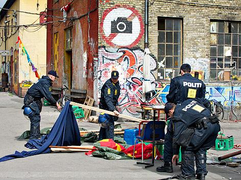 Polizei räumt Verkaufsstand