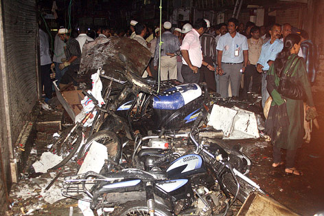 Zerstörte Motorräder auf einem Bazar in Mumbai