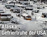 Siedlung am Yukon River im Schnee