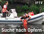 Polizeiboot bei Opfersuche