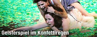 Oda Thormeyer als Mutter und Bibiana Beglau als Schwester Ursula