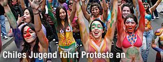 Chilenische Studentinnen demonstrieren