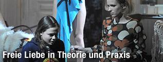 """Szene aus dem Stück """"Die Kommune"""""""