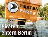 Segelschiff mit Piratenparteilogo
