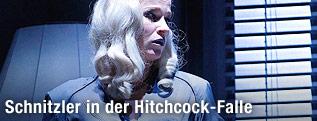 "Dörte Lyssewski als ""Genia"""