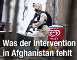 Afghanischer Antiterror-Soldat läuft durch Kabul
