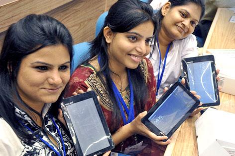 Konsumenten mit indischen Tablets
