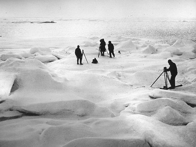 Forscher am Eis