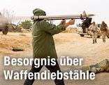 Libyscher Rebell feuert Rakete