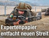 Soldaten bei Ausbildung