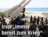 Soldaten stehen bei iranischen Raketen