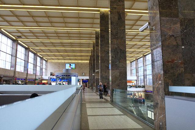 Eingangshalle des Wiener Westbahnhofs