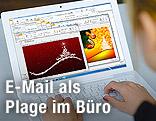 Computerbildschirm mit E-mails