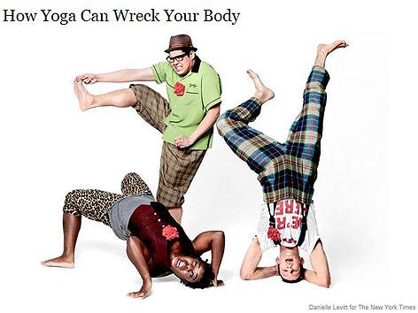 Uzo Aduba, George Salazar und Nick Blaemire, alle Broadway-Schauspieler probieren Yoga