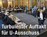 Mitglieder des Korruptions-U-Ausschusses während einer Sitzungsunterbrechung des im Parlament in Wien