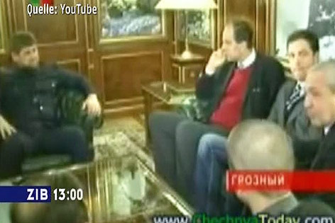 Johannes Hübner und Johann Gudenus (beide FPÖ) mit dem tschetschenischen Präsidenten Ramsan Kadyrow