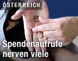 Eine Hand nimmt Münzen aus einer anderen