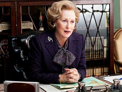 Meryl Streep als Margaret Thatcher in ihrem Büro