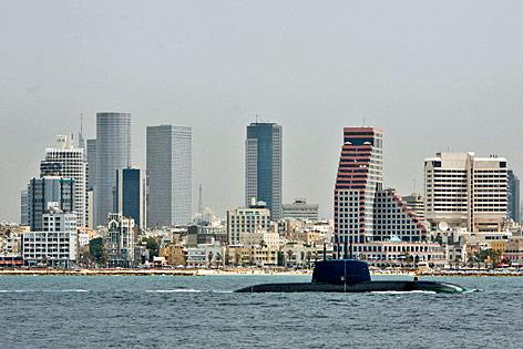 Ein U-Boot der Dolphin-Klasse vor Tel Aviv