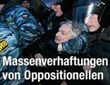 Polizei und Putin-Gegner