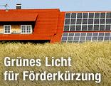 Solaranlage auf dem Dach eines Bauernhofes