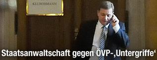 ÖVP-Abgeordneter Werner Amon telefoniert