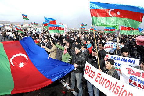 Etwa 1.000 Leute demonstrierten in Baku für die Freilassung von politischen Gefangenen