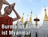 Buddhistischer Mönch betet vor Tempel