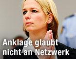 Die Staatsanwältin Inga Bejer Engh faltet die Hände
