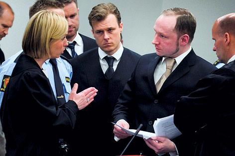 Staatsanwältin Inga Bejer Engh im Gespräch mit dem geständigen norwegischen Massenmörder Anders Behring Breivik