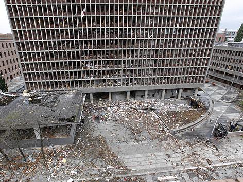 Beschädigtes Regierungsgebäude in Oslo