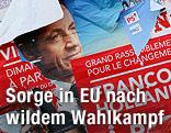 Zerrissene Wahlplakate für die französische Präsidentenwahl