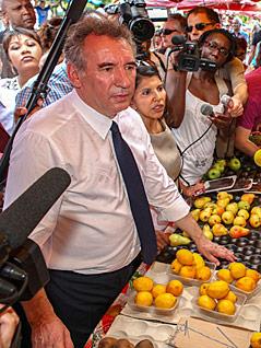 Francois Bayrou, Kanditat der Zentrumspartei