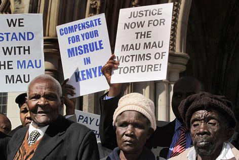 Wambugu Wa Nyingi, Jane Muthoni Mara und Paulo Nzili vor dem Gerichtshof in London